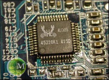 集成声卡在声音回放、数模转换、信噪比方面的性能不足